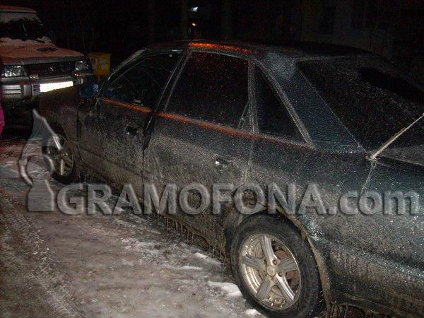 Пътищата в Сунгурларско заледени, вали обилно сняг