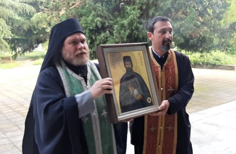 Икона с мощи на св. Ефрем Нови идва в Поморие