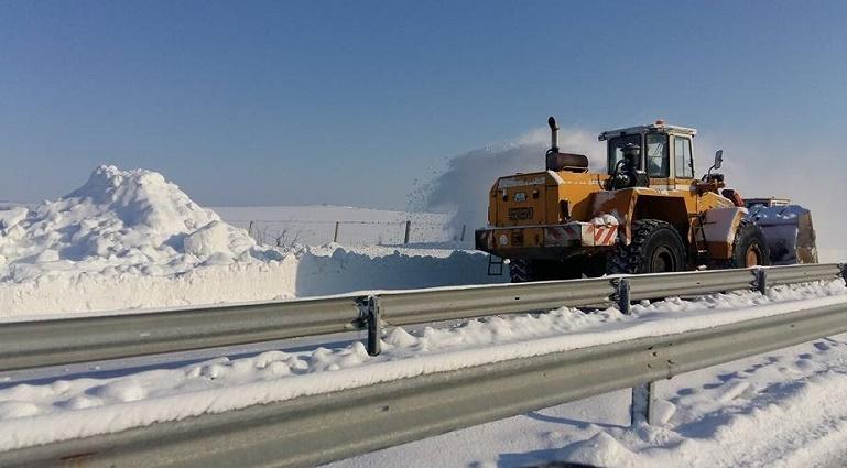 Снегорините минават под контрола на областния управител при тежка зима