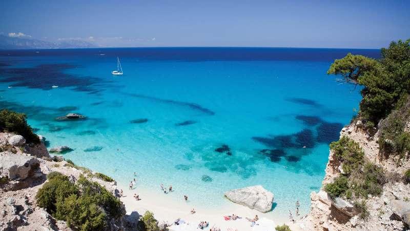 Сардиния конфискува над 10 тона пясък от туристи