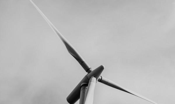 Вятър около 100 км/ч се разфуча в Сливен