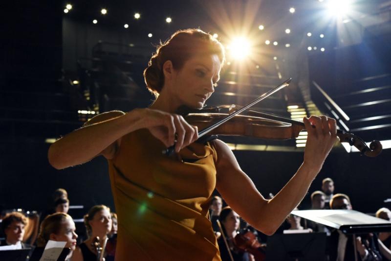 Прожектират история за известна цигуларка на Св. Валентин в Бургас