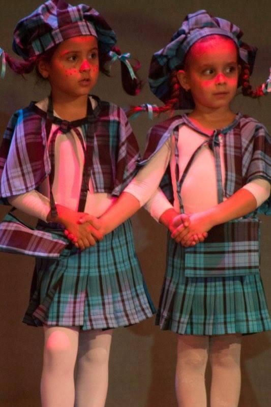 Таланти от Музикалното училище с Коледен концерт