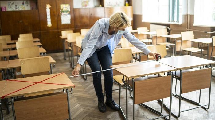 Решено: От 5 до 12 клас ще учат онлайн до края на януари