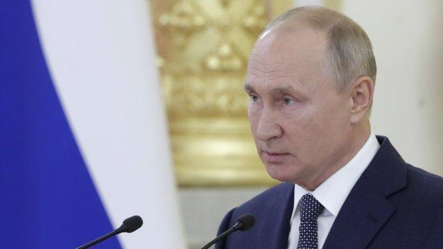 Путин се похвали, че не е имал странична реакция след ваксината срещу ковид
