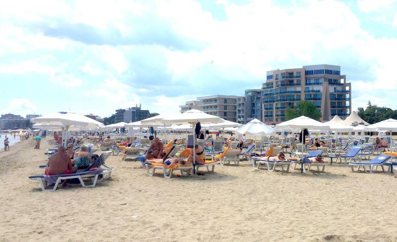 До 8 % спад на туристите по Черноморието прогнозира Ангелкова