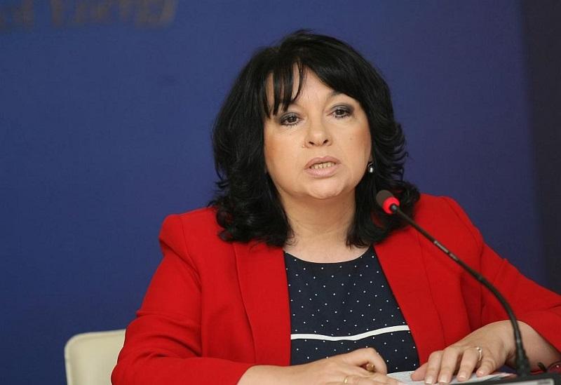 Работодателите вече не искат оставката на Теменужка Петкова