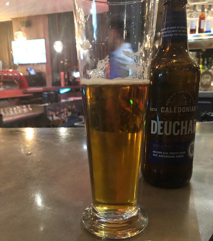 Турист плати близо 100 000 долара за бутилка бира