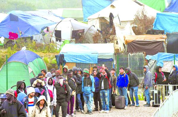 Мигрантите не са бежанци. Защо не се прилагат законите?