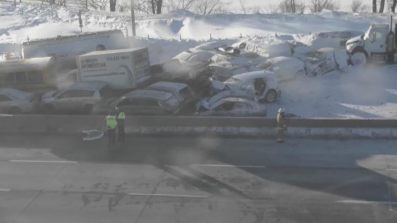 Верижна катастрофа с 200 коли в Канада