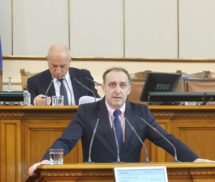 """Вълков: Промените в Закона за пощенските услуги ще облекчат работата на """"Български пощи"""" и ще засилят надзора върху пратките"""