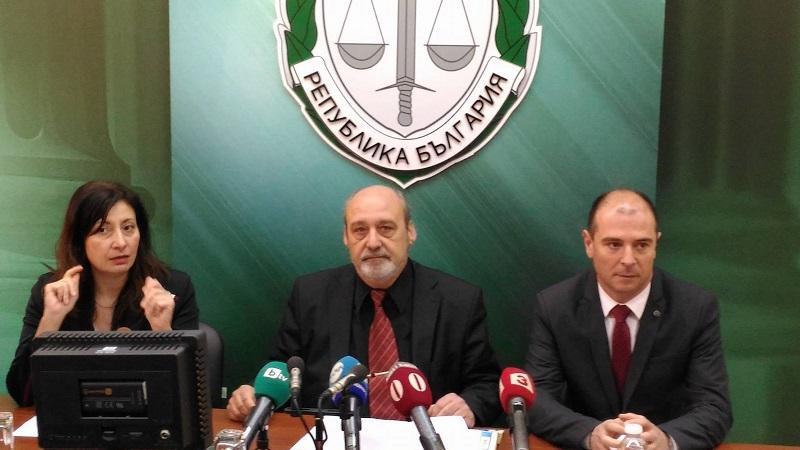 Обвиненият за унищожените дюни на Смокиня на свобода срещу  10 000 лева