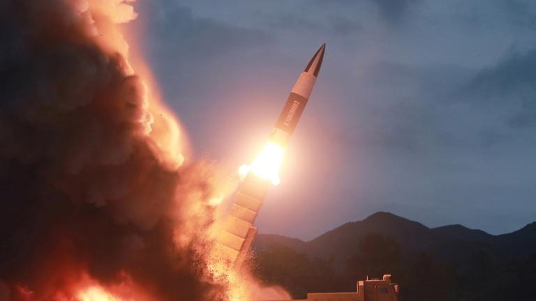 Северна Корея изстреля две ракети