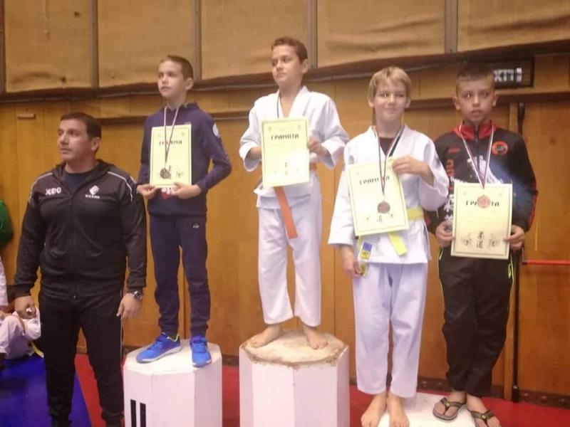 Бургаски джудисти извоюваха 4 медала на турнир в Габрово