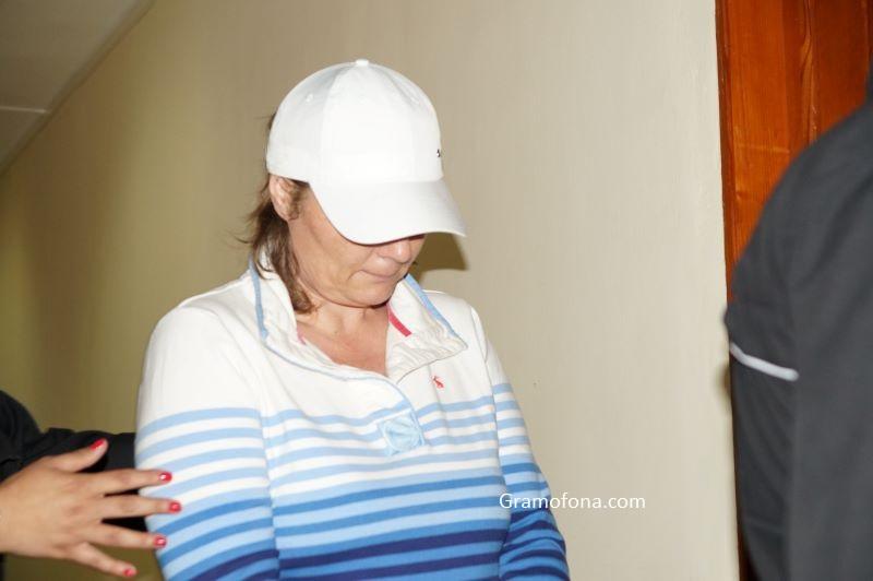 Рускинята Елена плаче в бургаския съд: В България е целият мой живот