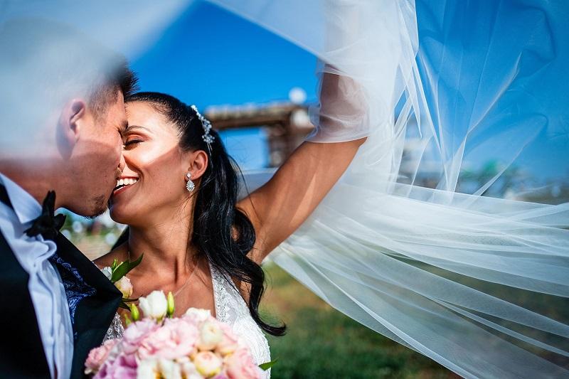 Седем двойки младоженци се венчават в Бургас в деня на любовта