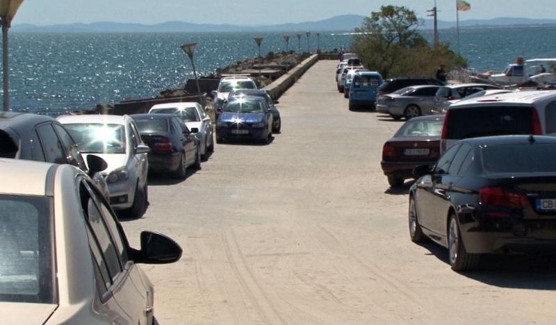 Държавата глобява сама себе си за незаконен паркинг в Равда