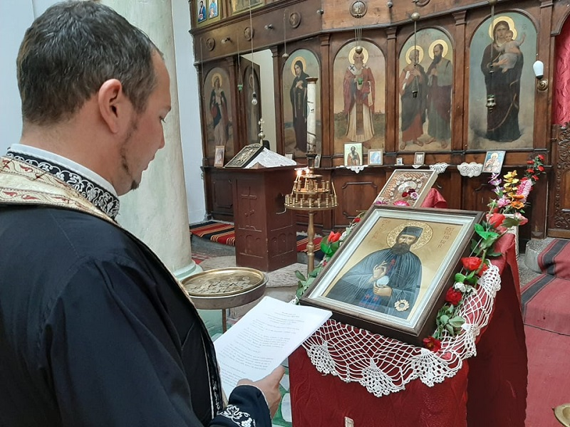 В Камено излагат за поклонение чудодейната икона на свети Ефрем Нов