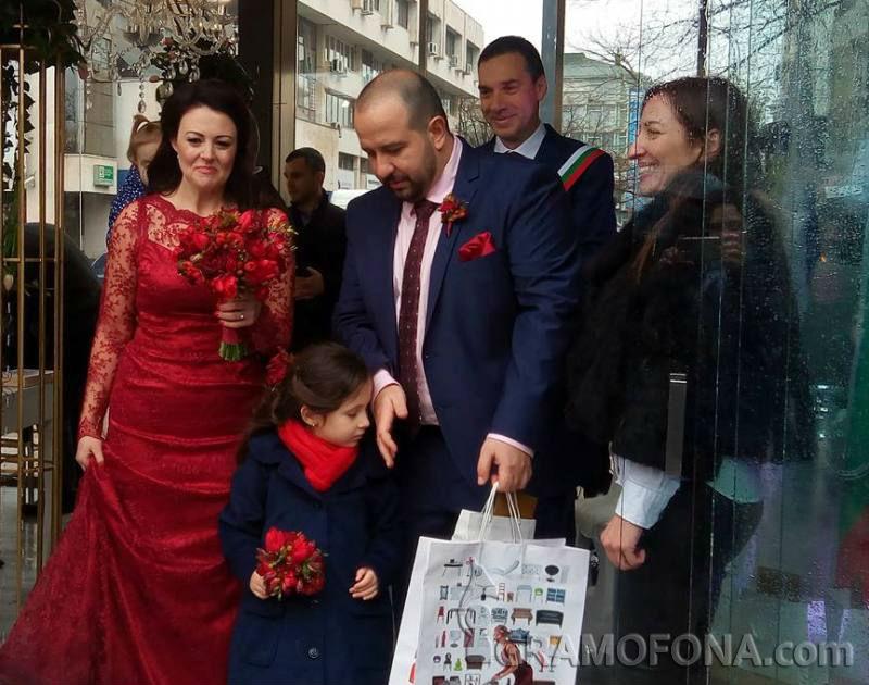 Трима, а не двама си казаха Да в центъра на Бургас