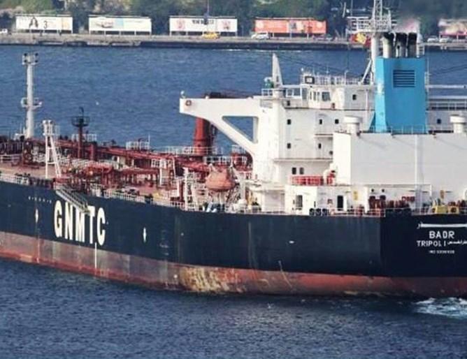 Прокуратурата се зае с либийския танкер, задържан в Бургас