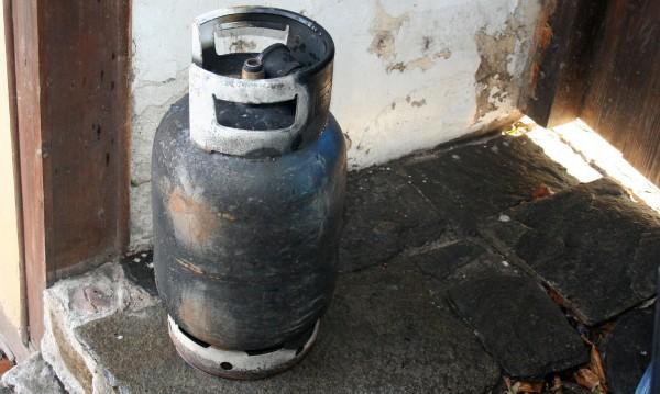 Жена пострада при взрив на газова бутилка в Пловдив