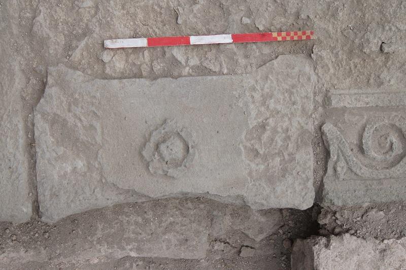 Археолози откриха надписи на гръцки и латински в Акве калиде
