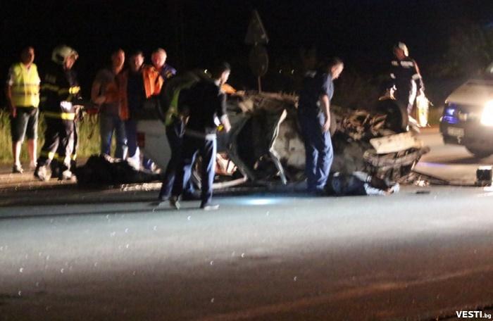 Двама загинаха на излизане от бензиностанция, петима са ранените