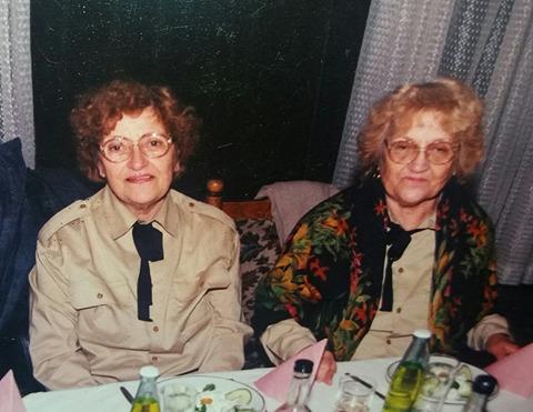 2х90: Близначките Лиляна и Виолета празнуват юбилей