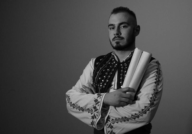 Да пееш фолклор в метъл аранжимент – историята на Петър Стоянов и проекта Орендъ