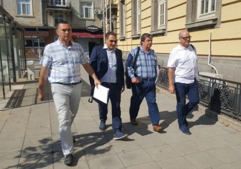 """Първата коалиция """"Ние, гражданите"""" в Бургас се регистрира за местния вот"""