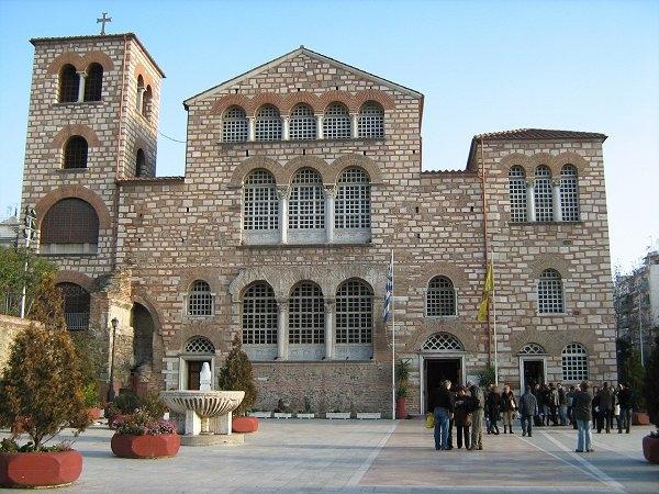 Затварят за Великден църквите в Гърция