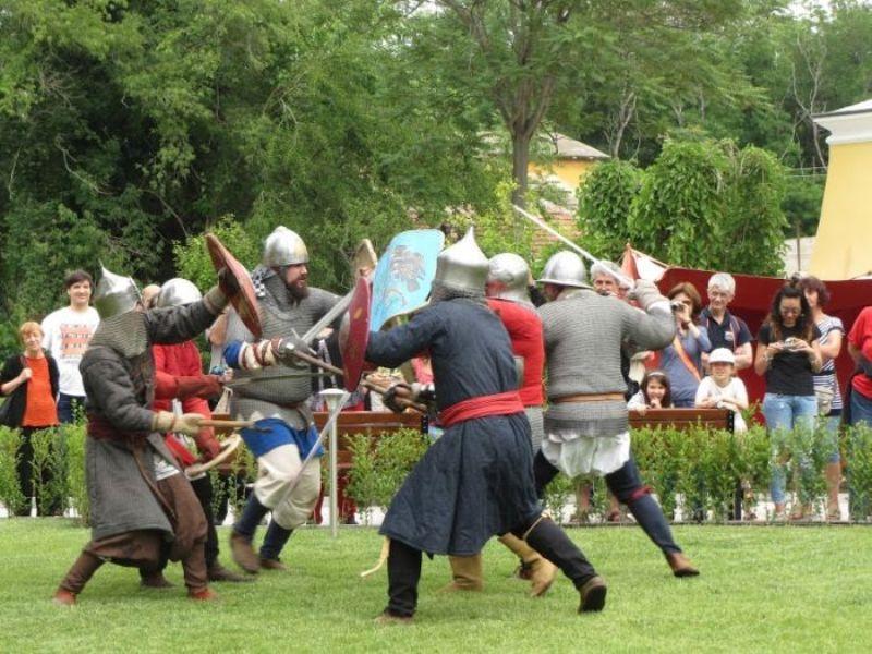 Акве Калиде чества празника си с рицарски турнир