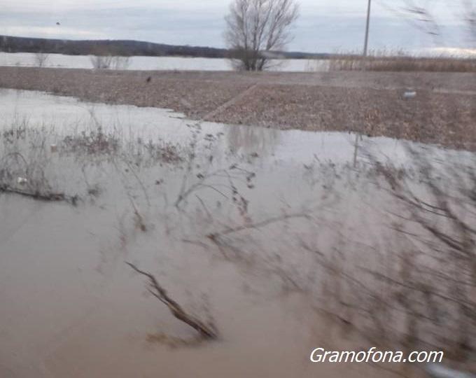 20-ти ден землището на Димчево e под вода