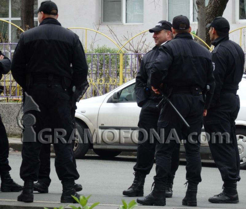 В Стара Загора задържаха 14 лица при полицейска операция