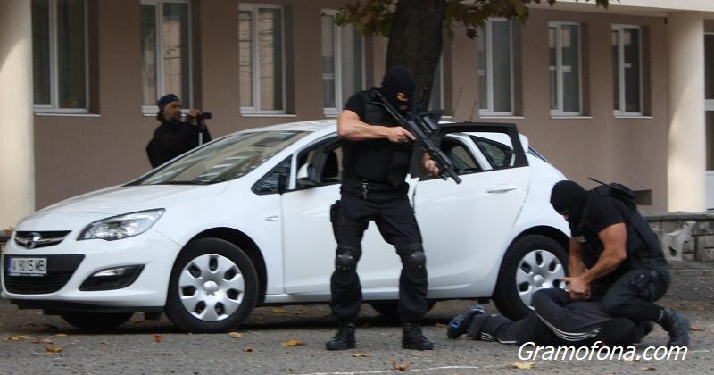 Арести при спецакция срещу група за поръчкови убийства в София