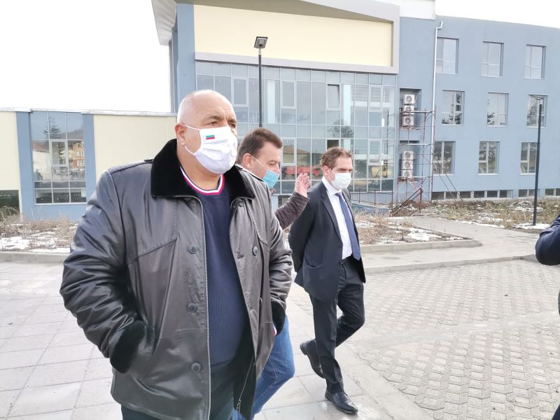 Борисов пита Радев защо мълчи за Навални