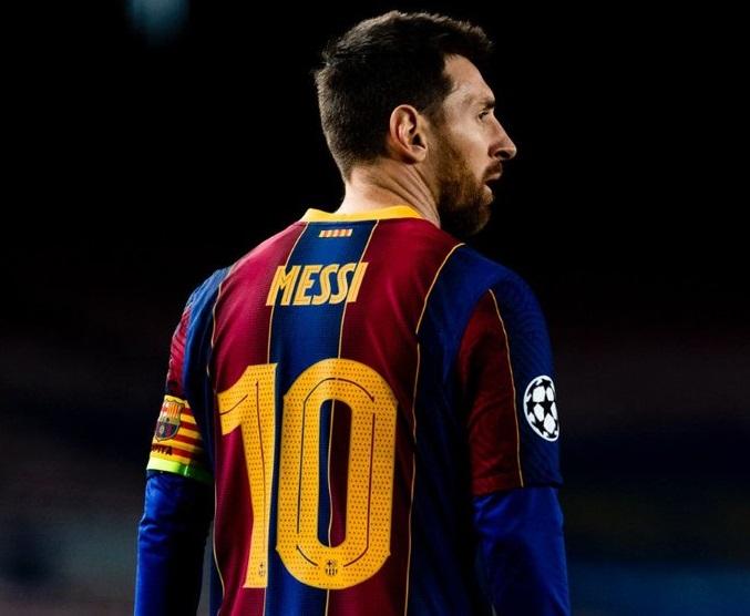 Меси си тръгва от Барселона
