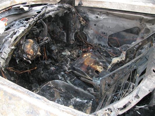 Не минавайте през Каблешково – Ахелой, кола гори на пътя