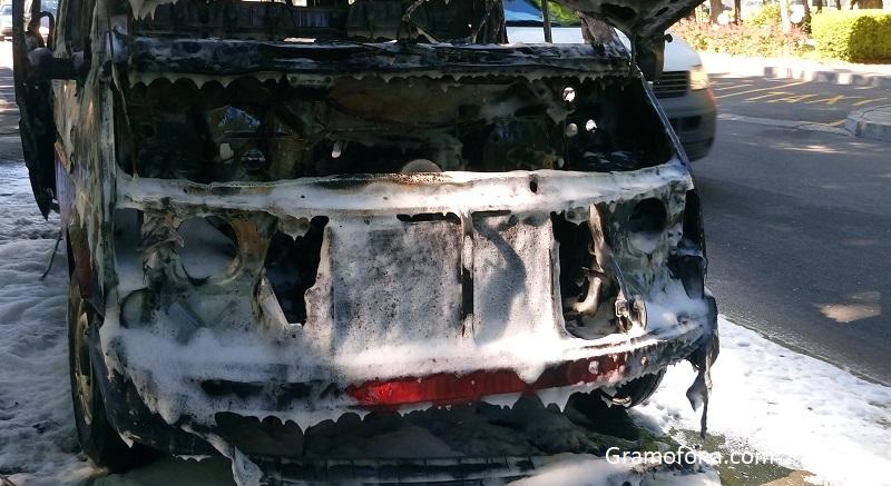 Автобус изгоря в Ришкия проход