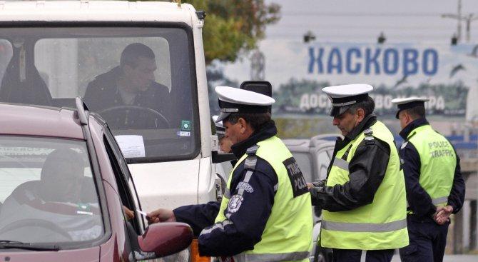 Масови проверки за фалшиви шофьорски книжки