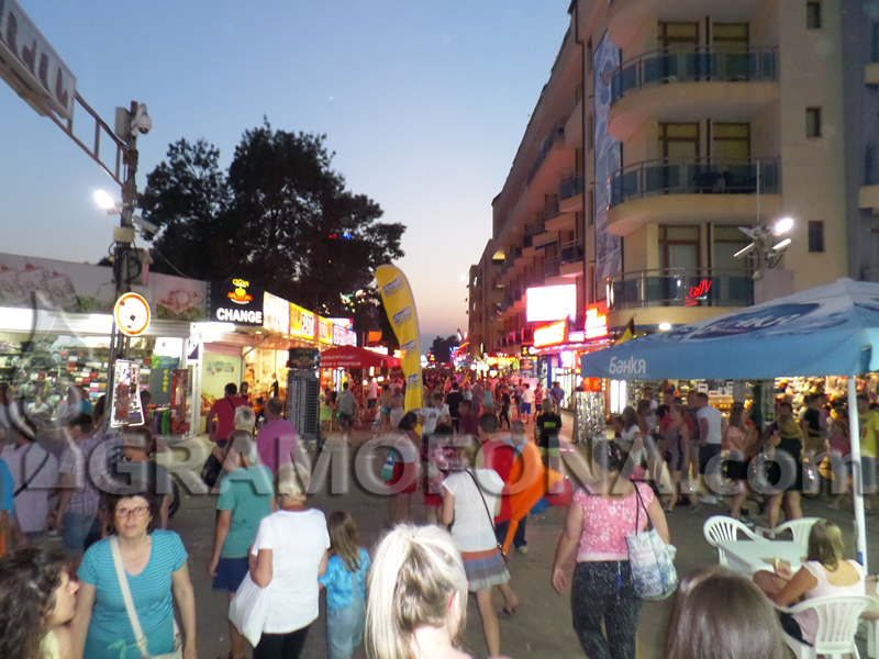 Повече чужденци да работят в туризма искат от бранша