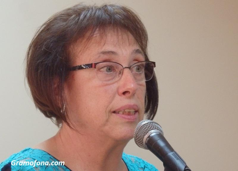 Шефът на Общинския съвет в Карнобат се разплака от трибуната