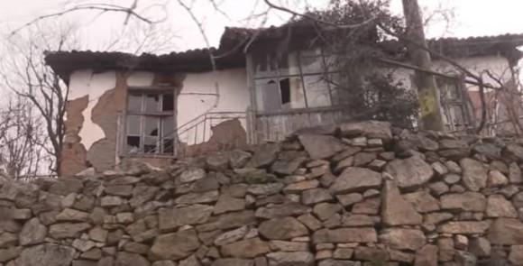 Завърна се късно синът у дома… – видео на Даниел Богдански