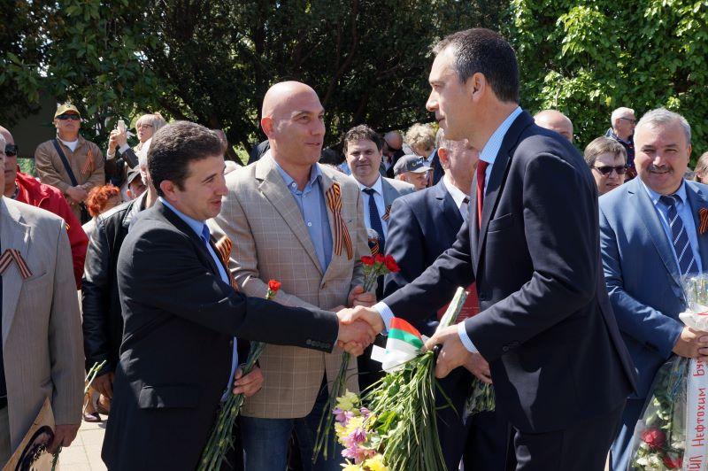 Минутки примирие между власт и опозиция в Бургас