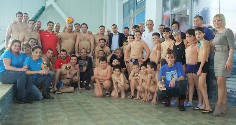 Румънци спечелиха водна топка Шуната