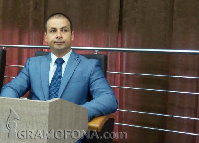 Първи независим  съветник в местния парламент на Бургас