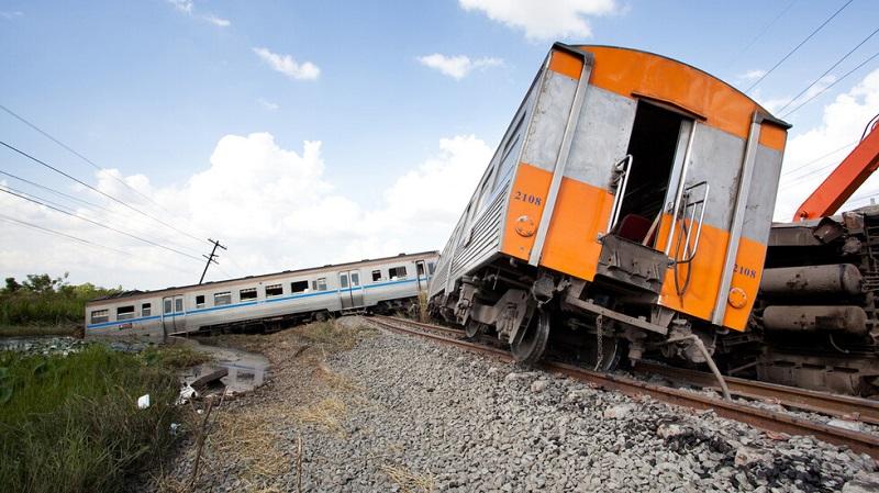 Над 20 загинали след сблъсък на два влака в Пакистан