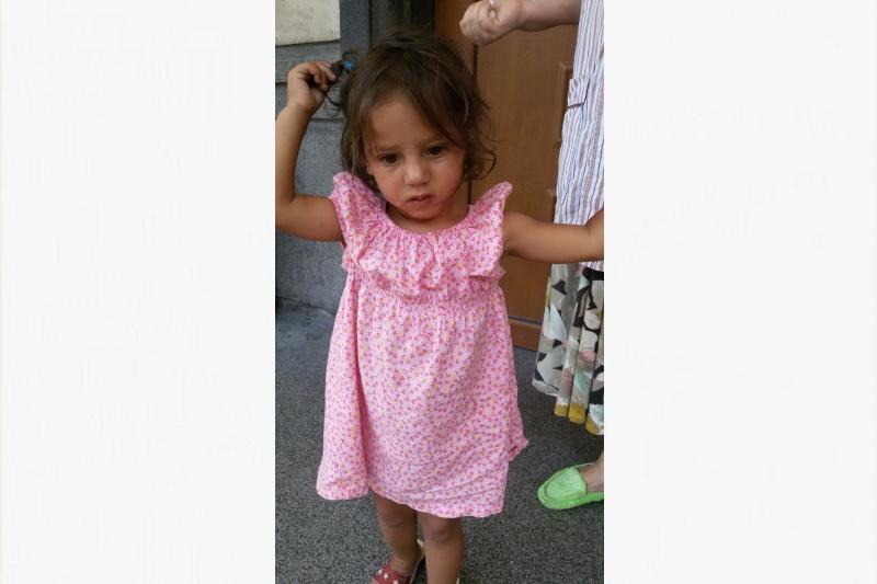 Намериха изгубено момиченце в Морската градина, търсят родителите