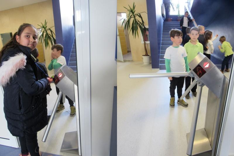 Учениците в Свети Влас влизат в училище с чипове