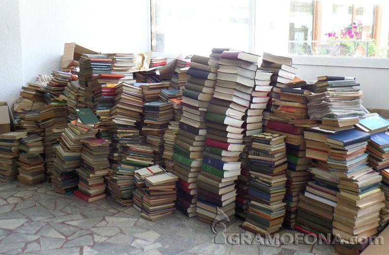 Търсят се книги за читалищата и библиотеките в Созопол